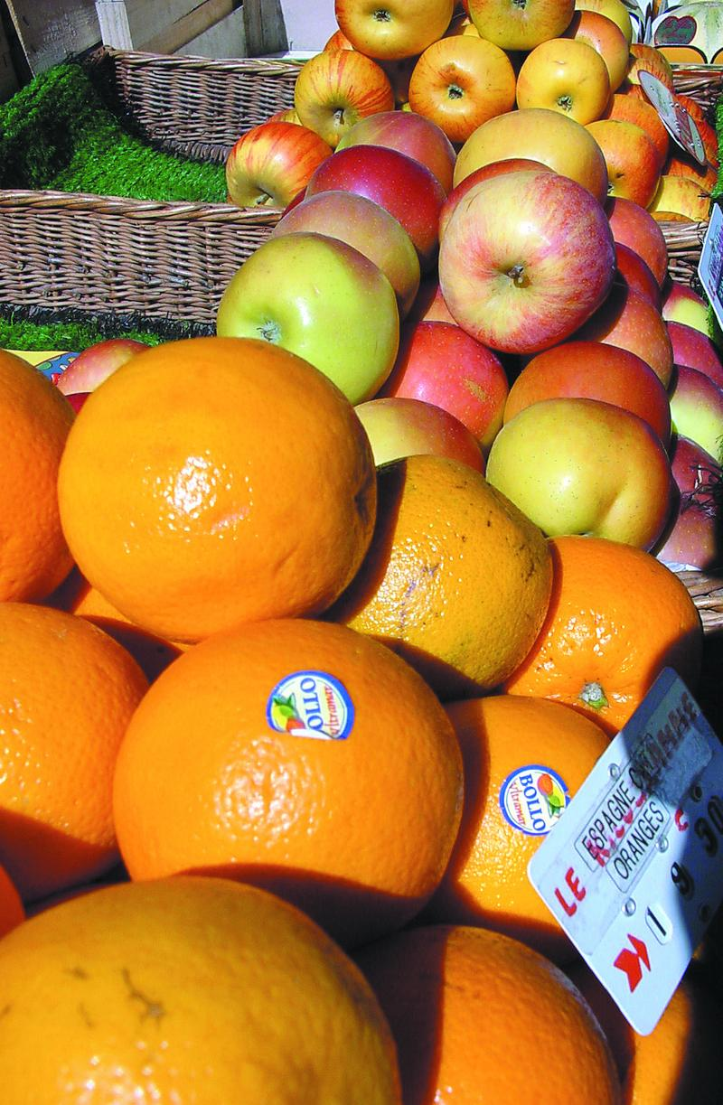 Des oranges sur un étal